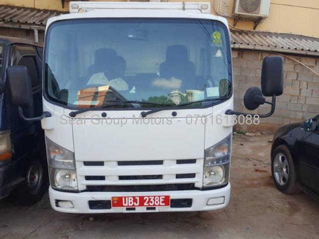 2011 Isuzu ELf Truck - 1